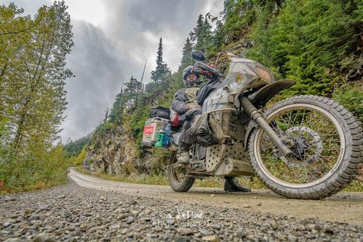Difi Terra East Rain Regenjacke & Zip Regenhose für Motorradfahrer im Einsatz
