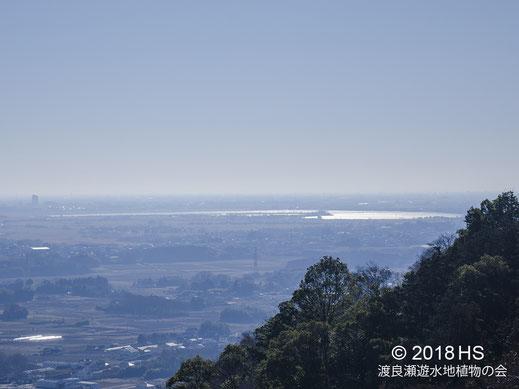 画像:2018/01/01 みかも神社から谷中湖を望む
