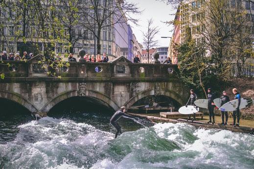Eisbachwelle München