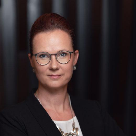 Katy Löwe in der Unternehmensberatung für den Mittelstand