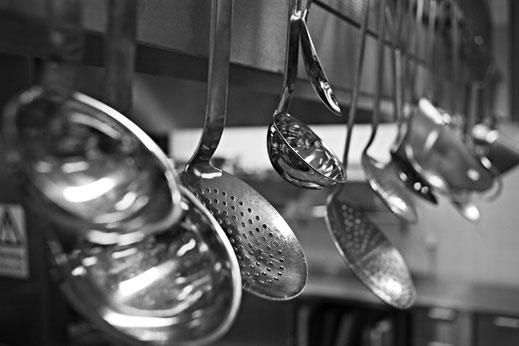 Für die Zubereitung in der Küche finden Sie hier die notwendigen Kochutensilien.