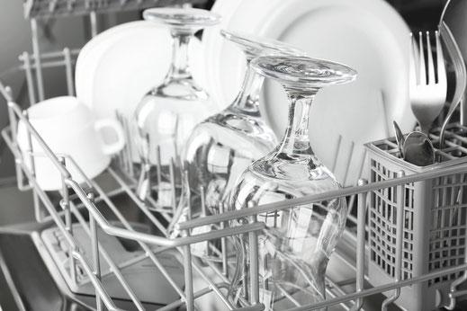 Glas und Geschirr Spülmaschinen für die Anforderungen in der Gastronomie