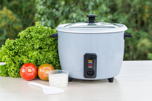 Unter Elektrogeräte finden alles für die Zubereitung und Bereitstelltung Ihrer Gerichte von Reiskocher über Bain Maries  bis zum Buffetwagen.