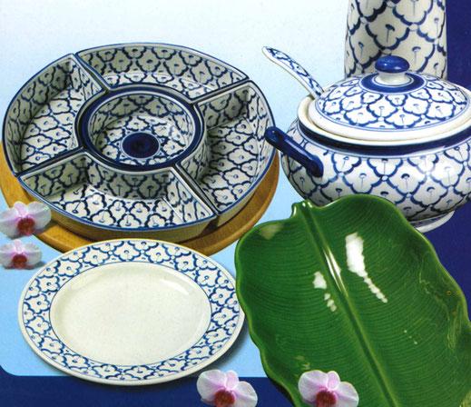 Tatung, Li, Cameo und Datung Porzellan aus Asien. Erhältlich in verschiedenen Motiven wie z. B. dem blauem Lotus Motiv.