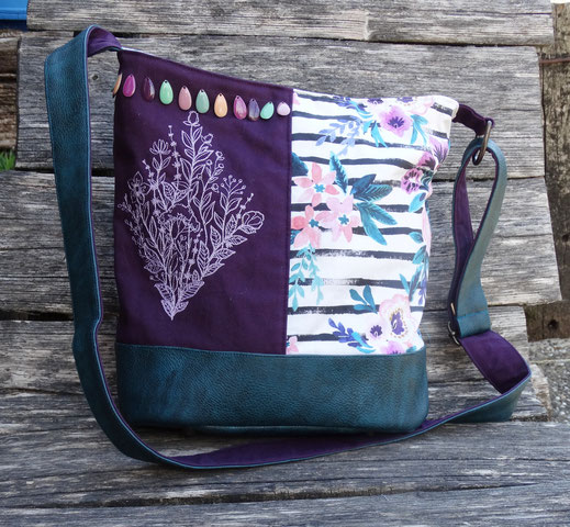 grand sac seau femme sac à main broderie fleurs sauvages bohème toile aubergine faux cuir bleu petrole tissu rayé