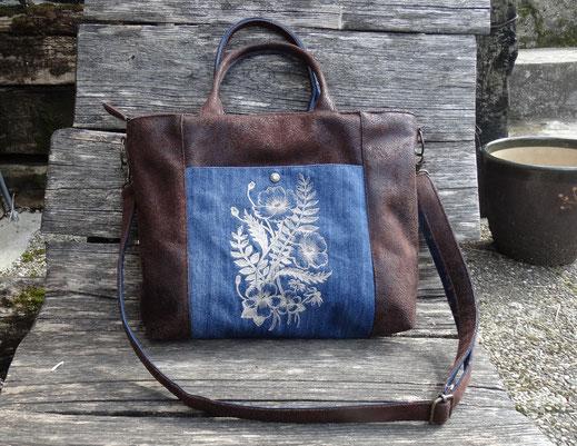 Sac à main pour femme brodé , bandoulière amovible, faux cuir marron effet vieilli, jean bleu, fleurs en relief  3 D, broderie coquelicots