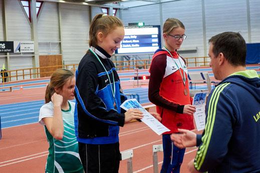 Mit einer erneuten Bestzeit von 9,93 Sekunden über 60m Hürden und einem insgesamt starken Mehrkampf verdiente sich Kirara Reiland (W12) Silber bei den Regionalen Hallenmeisterschaften im Mehrkampf.
