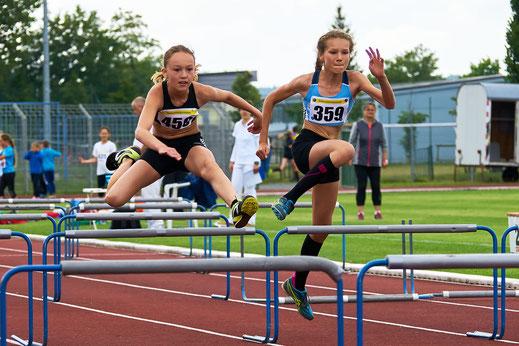 Flink, flinker, Kiara. Nur 10,05 Sekunden benötigte die Elfjährige für die 60 Meter Hürden in Zwickau. Damit führt sie in dieser Disziplin die inoffizielle Deutsche Bestenliste in der Leichtathletik-Datenbank.de an.