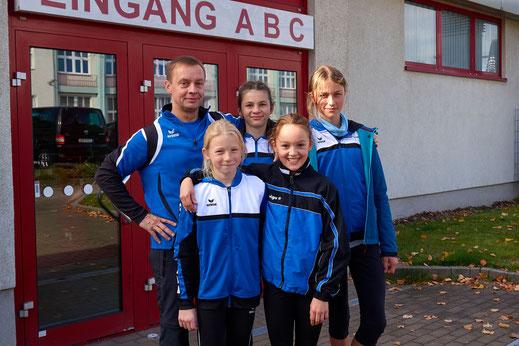 Vier unserer Athleten wurden 2017 zur E-Kader Sichtung eingeladen. Theres Oehler (W13), Svenja Koban (W13) und Kiara Reiland (W10) sammelten die erforderlichen Punkte für die Aufnahme in den Kader.