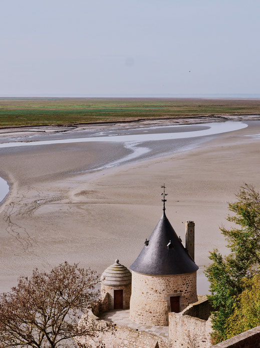 The sandbanks surrounding Mont-Saint-Michel