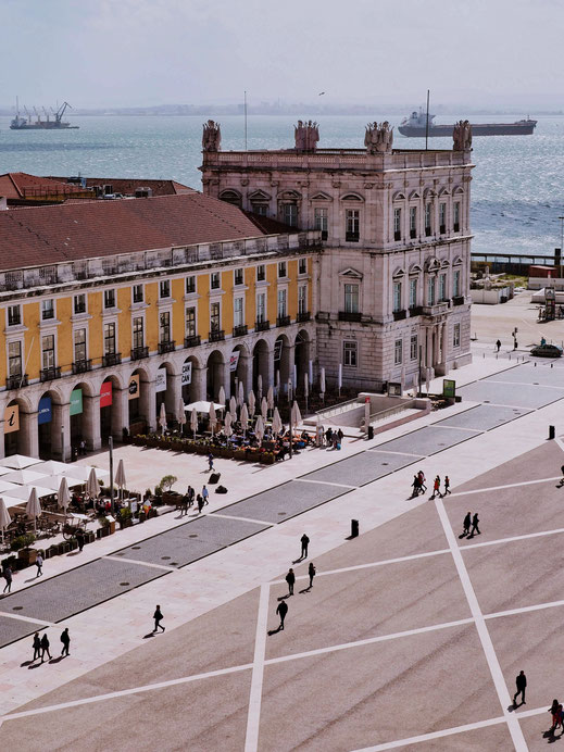 Geometrical pattern of Praça do Comércio seen from above
