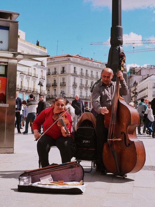 Musicians on Puerta del Sol