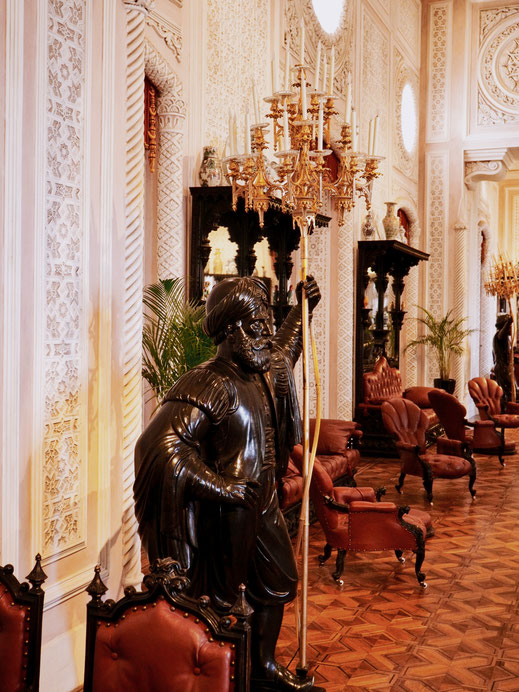 Beautiful statue in the Noble Hall