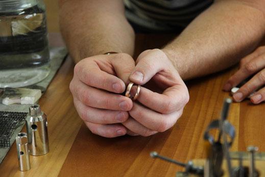goldschmiede-atelier-herzog-ehering-workshop-ringe