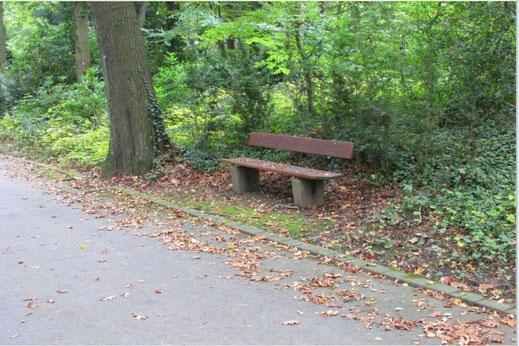 Friedhof Bank ausruhen Besinnung Erholung Psychologie