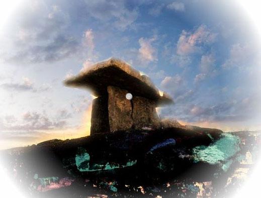 Mont-Saint-Michel Normandie Fantasy Artussage Heiliger Gral Dolmen Bildungsreise Große Mandränke Wackelstein