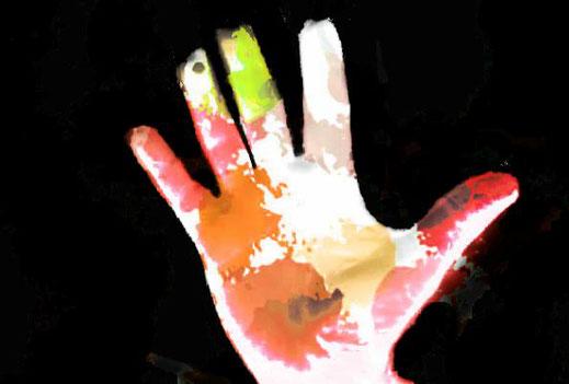 Dieses Bild zeigt eine Hand als Symbol für ein Menetekel. Ein Menetekel ist ein schlechtes Zeichen oder eine unheilverkündende Warnung..