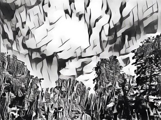 Wolkenbild mit schwarz-weißen Schraffuren
