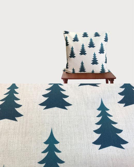 ヒノキの香りのするコットンリネンの北欧デザインの森のクッション