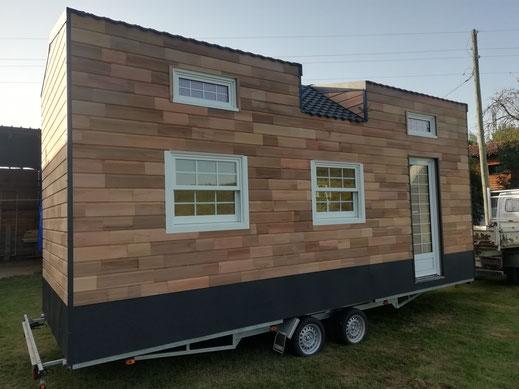 """tiny house réalisée par """" les tiny houses de petit jean"""