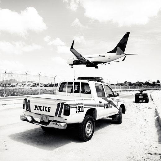 """Josef Hoflehner, """"Jet Airliner #34, St. Maarten"""", 2010, 150 x 150 cm, Auflage: Edition 5 Stück"""