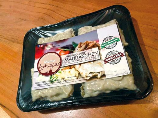 Versandverpackte frische Maultaschen mit regionalen Zutaten