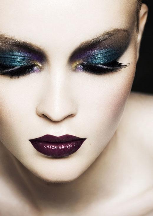 Sight Beauty Scene Editorial Issue by Romain Rosa and Victoria Monvoisin