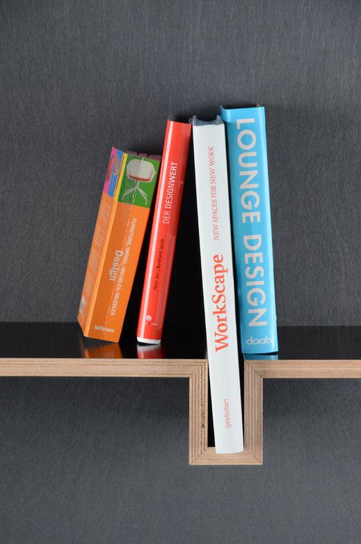 Wandregal, minimalistisch, weniger ist mehr, Buchstütze integriert