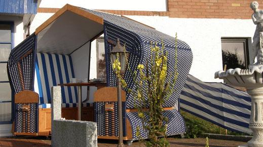 Strandkorb als Doppelsitzer für Gastronomie Terrasse