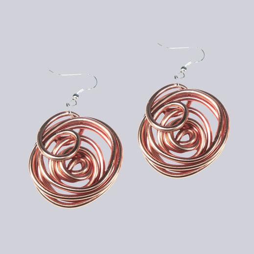 Wunderschöne, rosegoldfarbene, leichte Ohrringe Rookie. Designed by My-Levanjo.
