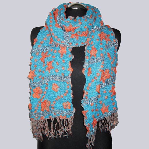 Wunderschöner, sehr weicher, kuscheliger Schal in tollen Farben