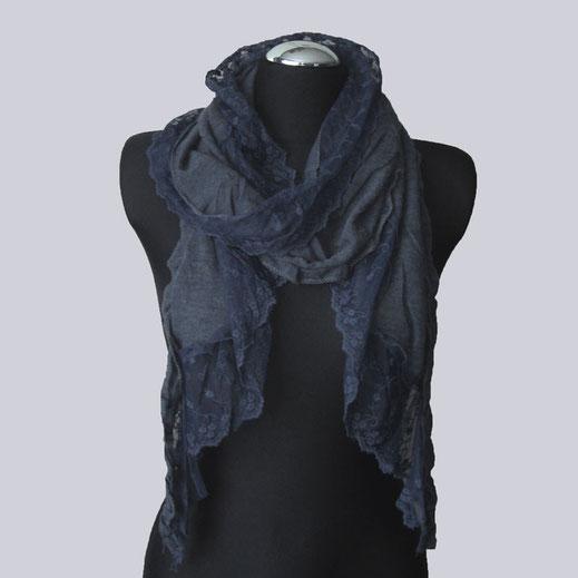 Schal mit schöner Spitze in einem tollen Blau-grau
