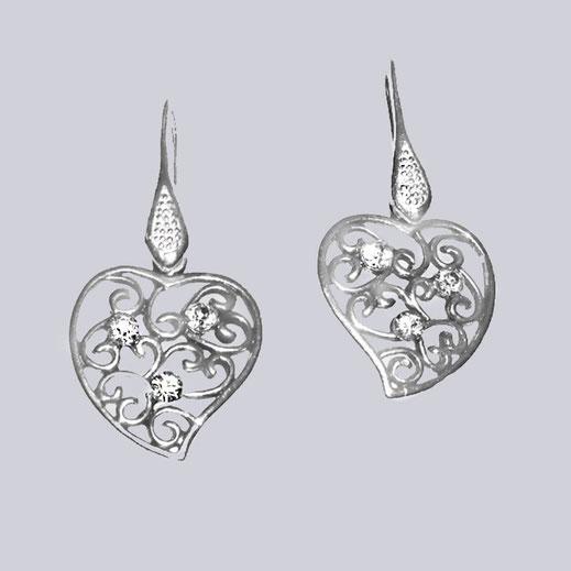 Filigrane Herz Ohrringe, silberfarben-antik, mit schönen Modeschmuck-Steinen.