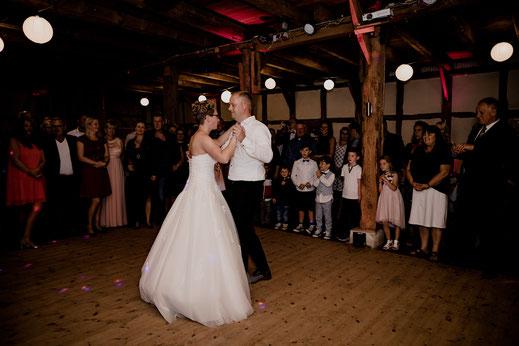 moisburg, party, feier, brautpaar, braut, bräutigam, empfang, bride, groom, buxtehude, scheune, empfang, eröffnungstanz