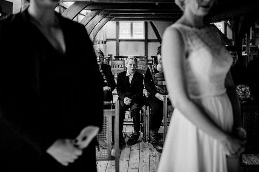 teichmann, samuelsen, hochzeit, wedding, braut, paar, brautpaar, sittensen, mühle, idee, posen, standesamt, zeven, bremen, altes land, glück, liebe, real, echt, fotografin, sohn