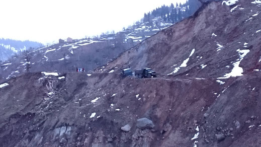 On the road to Goderdzi Pass: The driver of the truck was quite lucky not to slip into the canyon, 19/03/2016.
