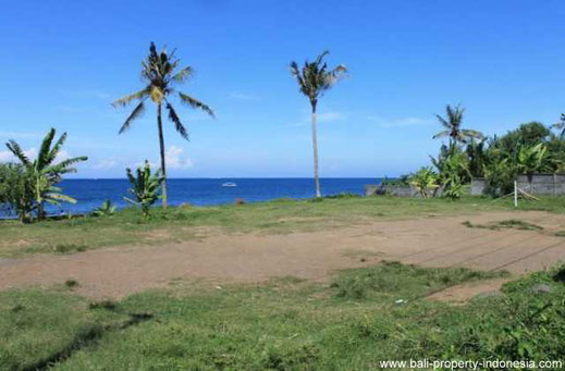 East Bali land for sale. Seraya freehold beachfront plot of land.