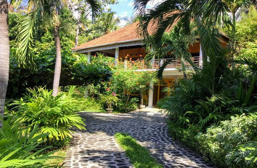 North Bali Beachfront properties for sale. Direct contact with Owners.