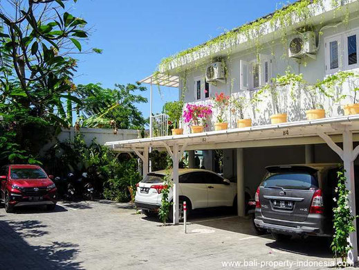 Sanur townhouse for sale on the beach side, 3 bedrooms.