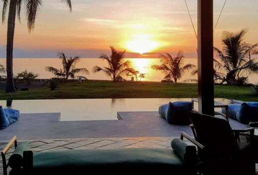 North Lombok villa for sale by owner.  Beachfront  villa for sale