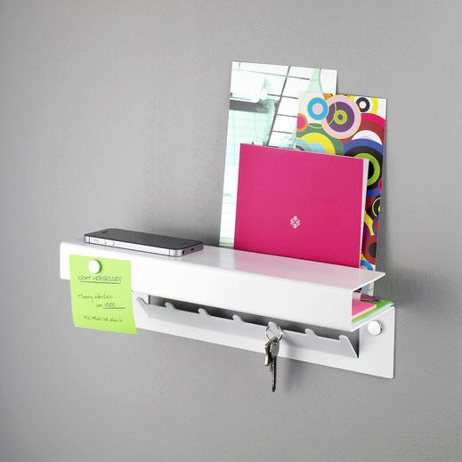 Cuby, das Design Duschregal für das Badezimmer. Seitlich abgebildet in Edelstahl