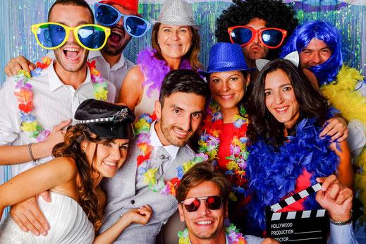 PhotoBooth-gruppo-amici-fotografo-matrimonio-Torino