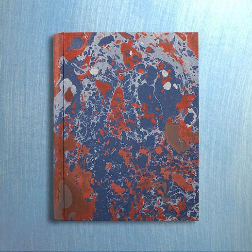 Album foto Serena in carta marmorizzata a mano blu, corallo Serena. Standard