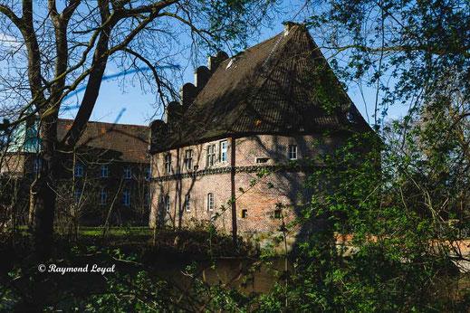 bladenhorst castle