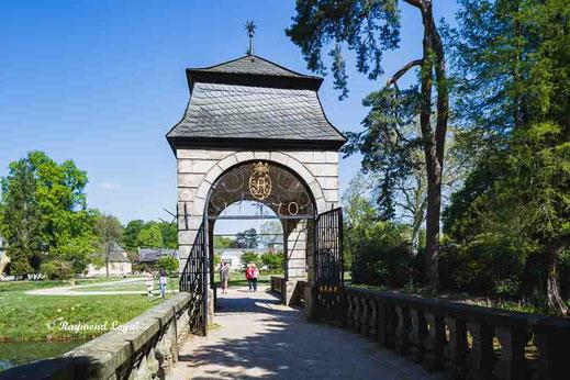 castle dyck baroque bridge