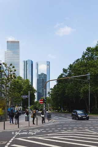 skyline frankfurt hochhaus gebaeude