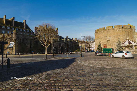 saint malo old town image