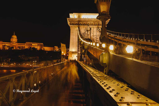 Chain Bridge Budapest photography