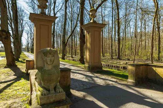 nordkirchen shpinx sculpture