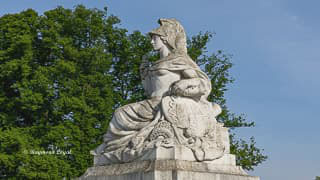 schloss augustusburg torhaus skulptur